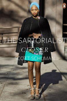 Libro. The Sartorialist. Scott Schuman, el bloguero autor de algunas de las fotografías más famosas de street style, ha editado su segundo libro The sartorialist: Closer. Un recorrido por las calles de Japón, Nueva York, Milán...a través de su objetivo.