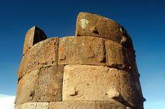 https://flic.kr/p/bPzXYV   Detalle de una de las chulpas de Sillustani, Puno, Peru   Detalle de una de las chulpas, una tumba de la epoca Pre-Inca, Peru