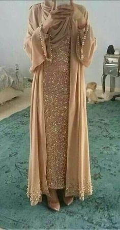 Abaya Style 21246 Hijab Fashion Selection of over 100 looks in trendy and chic Abaya Islamic Fashion, Muslim Fashion, Modest Fashion, Fashion Dresses, Modest Wear, Modest Dresses, Modest Outfits, Hijab Fashion 2017, Abaya Fashion