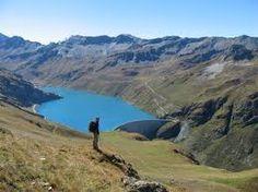 The dam of Moiry is a arch dam located in the canton of Valais in Switzerland. It lies at the bottom of the Val d'Anniviers, in the valley of Moiry, above the village of Grimentz and  he's 148 meters high. http://clauetp-oencavale.blogspot.ch ---   Le barrage de Moiry est un barrage à voûte situé dans le canton du Valais en Suisse. Il se situe au fond du Val d'Anniviers, dans le vallon de Moiry, au-dessus du village de Grimentz et mesure 148 mètres de haut. ---