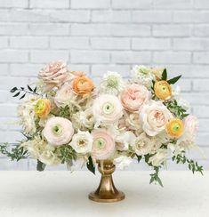 Muted colors for bridal bouquet