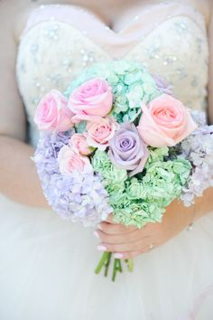 I know this is a wedding bouquet, but it would be a nice arrangement in a clear vase too.
