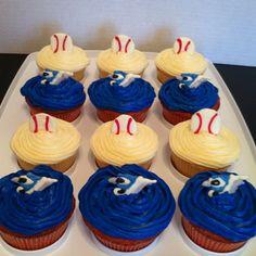 Toronto Blue Jays cupcakes too cute Baseball Birthday Party, 4th Birthday Parties, Birthday Wishes, Cupcake Cookies, Cupcakes, Toronto Blue Jays, No Bake Desserts, Team Mom, Baseball Mom