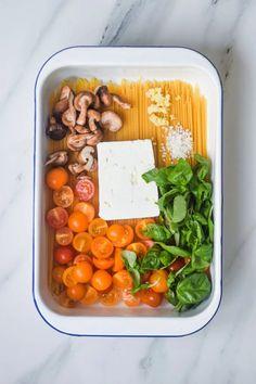 Feta Pasta, Vegetarian Recipes, Healthy Recipes, Fabulous Foods, Everyday Food, Yummy Eats, One Pot Meals, Tasty Dishes, Food Hacks
