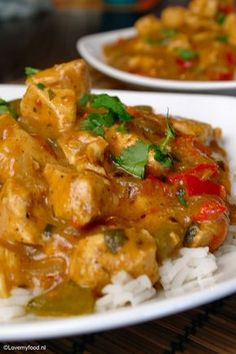 Crockpot: Spicy curry with chicken - LoveMyFood - Crockpot: Spicy curry with chicken – LoveMyFood - Slow Cooker Huhn, Cooks Slow Cooker, Crock Pot Slow Cooker, Slow Cooker Chicken, Slow Cooker Recipes, Indian Food Recipes, Asian Recipes, Healthy Recipes, Slow Cooking