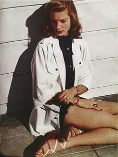 Lauren Bacall, white trench coat, sandals