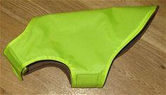 Patrón y las instrucciones gratuito para coser un abrigo de perro impermeable y caliente.