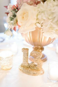 Glittery gold table number #weddingideas #glitter #goldwedding #tablenumber #weddingreception