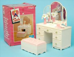 Pedigree Sindy Dressing Table No. 44212 Boxed 1984