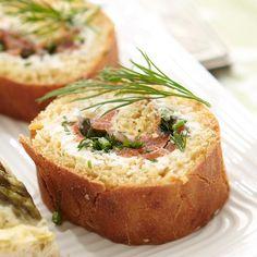Kylmäsavulohi-leipärullat Bread Recipes, Baked Potato, Rolls, Cooking, Sweet, Ethnic Recipes, Food, Kitchens, Eten