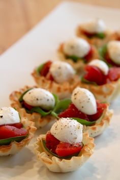 These 4 ingredient Bruschetta Cups are fast, make ahead friendly and oh so delicious!