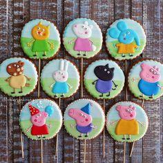 #имбирныепряники #подарок #расписныепряники #пряникипеченьки #кендибар #караганда #cookies #candybar #kz #karaganda #gingerbread #decoratedcookies