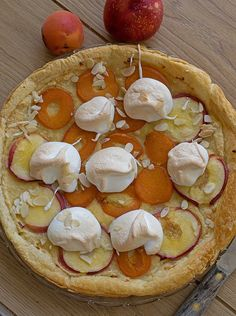 tarte meringuée Pudding Recipes, Camembert Cheese, Biscuits, Puddings, Pudding Recipe, Gourmet Desserts, Pies, Food, Kitchens