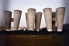Chateaux d'eau, Villejuif, M. Round Building, Building A House, Pablo Picasso, Old Lorries, Water Tower, Contemporary Photography, Modern Materials, Brutalist, Architecture