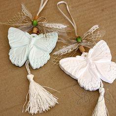 Kelebek Kokulu Taş Süslü Asma İpi ile Etiketli Tül Keseside Dilediğiniz Renklerde partiavm.com doğum günü süsleri ve parti malzemeleri merkezi