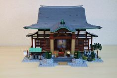 https://flic.kr/p/SY9zZJ | 3rd MOC : Tentokuji | I tried 3 versions for the base. Here is the second one : a longer base, allowing me to add the washhouse on the left and the little garden on the right. Which version do you think is the best ?