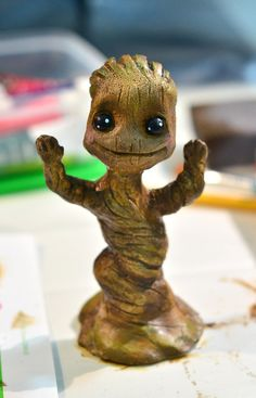 I am Groot! I want baby Groot! Toy Art, Kawaii, Geeks, I Am Groot, Baby Groot, Guardians Of The Galaxy, Wood Carving, Marvel Dc, Biscuit