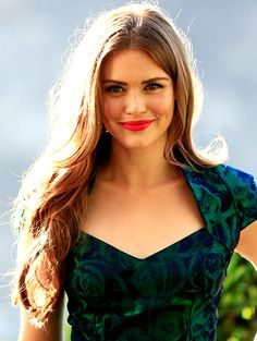 Holland Roden - tht hair color !!