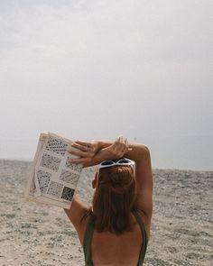 all about that sunshine & beach vibes Beach Aesthetic, Summer Aesthetic, Aesthetic Yellow, Aesthetic Bedroom, Aesthetic Vintage, Aesthetic Clothes, Aesthetic Girl, Summer Feeling, Summer Vibes