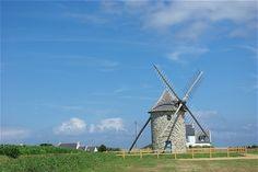 Sur la route qui mène à la pointe du Van, en Bretagne, les promeneurs peuvent admirer ce moulin. © Michel Orreteguy