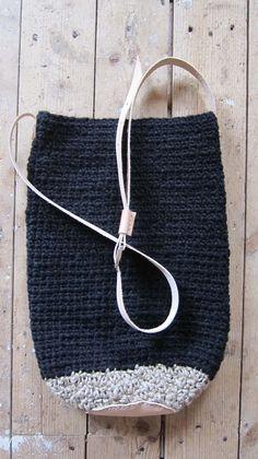 crocheted bag - natural sisal hemp + black wool - leather - chris van veghel