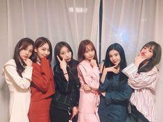 "& ♡ ""Good night, sleep well🌙 Have a happy night with IZ*ONE💤"" Kpop Girl Groups, Korean Girl Groups, Kpop Girls, Ulzzang Fashion, Ulzzang Girl, Yuri, Secret Song, Korean Best Friends, Honda"