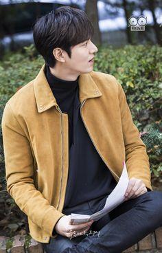 Lee Min Ho 2017, Lee Min Ho News, Lee Min Ho Images, Lee Min Ho Photos, Korean Male Actors, Asian Actors, Heo Joon Jae, Dramas, Legend Of Blue Sea