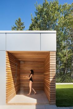 An outdoor shower offers a zen-like sanctuary to wash off the day. Tagged: Outdoor and Shower Pools, Tubs, Shower. Photo 5 of 11 in This Nova Scotia Summer Home Nails Indoor/Outdoor Living. Browse inspirational photos of modern outdoor spaces. Modern Villa Design, Modern Interior Design, Contemporary Interior, Outdoor Bathrooms, Tadelakt, Modern Backyard, Indoor Outdoor Living, Maine House, Villas