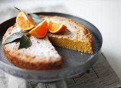 Мандариновый пирог с миндалем - Чадейка Вместо мандаринов можно использовать апельсины, вместо миндаля фундук или ванильные сухари.