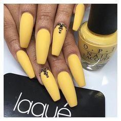 23 Great Yellow Nail Art Designs 2019 - Sunny Yellow Nails - Best Nail World Yellow Nails Design, Yellow Nail Art, Acrylic Nails Yellow, Colour Yellow, Matte Nails, My Nails, Glitter Nails, Polish Nails, Acrylic Nail Designs