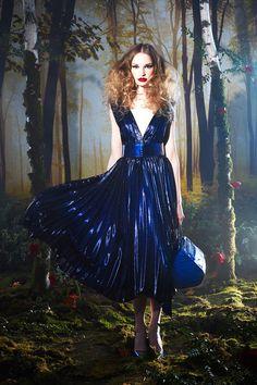 Alice + Olivia Fall 2014 Fashion Show Fashion Week, High Fashion, Fashion Show, Fashion Design, Fashion Trends, Women's Fashion, Alice Olivia, Azul Real, Fall Winter 2014