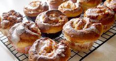 Zakręcone muffiny drożdżowe z jabłkami i cynamonem/Apple cinnamon roll muffins