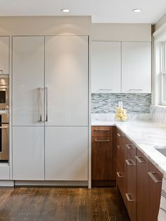 Walnut is a noble wood that was used for cabinetry and furnishing for centuries. Nowadays, this luxury wood essence is back in the kitchens with contemporary lines that still offer this wonderful v...