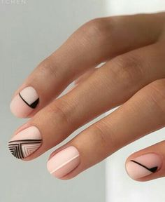Lined nail design♥️♥️♥️ - - Stripped nude nail art. Lined nail design♥️♥️♥️ Nail Style Ideas Abgenommene nackte Nagelkunst. Fancy Nails, Diy Nails, Pretty Nails, Nail Art Vernis, Line Nail Designs, Nails Short, Lines On Nails, Round Nails, Minimalist Nails
