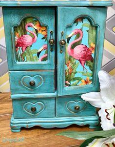 Hand Painted Furniture, Funky Furniture, Art Furniture, Repurposed Furniture, Furniture Makeover, Furniture Market, Furniture Movers, Flamingo Decor, Pink Flamingos