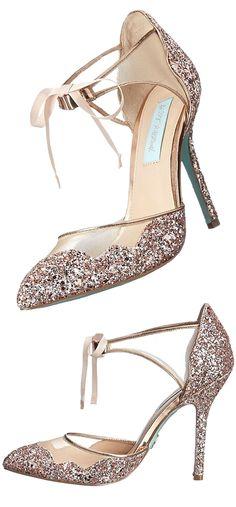 hochzeitsschuhe winter wedding shoes summer New Wedding Shoes Ideas For Summer Bling Bling, Bling Shoes, Prom Shoes, Fall Shoes, Winter Shoes, Summer Shoes, Summer Outfit, Stilettos, Cute Shoes