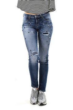 Kocca - Jeans - Abbigliamento - Jeans in cotone elasticizato con tasche sul retro. Applicazione di pietre dure, strass e dettagli consumati sulla lunghezza. - L409 - € 142.00