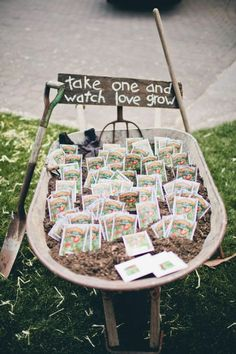 seed packet wedding favors in a DIY wedding ideas and tips. DIY wedding decor and flowers. Everything a DIY bride needs to have a fabulous wedding on a budget! Mod Wedding, Farm Wedding, Dream Wedding, Perfect Wedding, Decor Wedding, Wedding Themes, Trendy Wedding, Wedding Venues, Hippie Wedding Decorations
