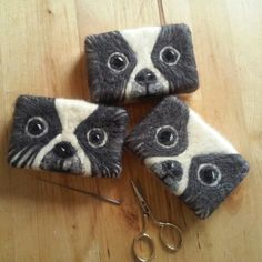 Dog Pattern Felt Soap Source by SerpilAkardas The post Dog Pattern Felt Soap appeared first on Soap. Felted Soap, Wet Felting, Soap On A Rope, Felt Gifts, Needle Felting Tutorials, Wool Dryer Balls, Felt Dogs, Felt Patterns, Dog Pattern
