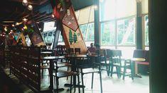 Share with buddy💞 #coffee #coffeetoffe #surabaya #indonesia #architecture #friendship #sharing #bestfriend