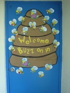 Clutter-Free Classroom: Bee Themed Classroom
