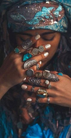 Bohemian jewelry (by photophangan)You can find Boho gypsy and more on our website.Bohemian jewelry (by phot. Hippie Style, Gypsy Style, Hippy Chic, Boho Chic, Chanel Fine Jewelry, Mundo Hippie, Boho Fashion, Fashion Jewelry, Men's Jewelry