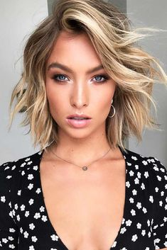 Browse here the stunning ideas of balayage blonde hair colors and hairstyles trends for… - fitness mujer motivacion Messy Hairstyles, Summer Hairstyles, Medium Hair Styles, Short Hair Styles, Haircut Pictures, Hair 2018, Blonde Balayage, Blonde Hair, Hair Looks