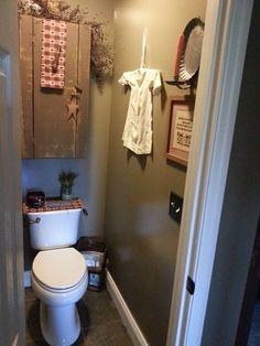 primitive bathroom decor for sale Primitive Country Homes, Decor, Bathroom Images, Primitive Country Bathrooms, Primitive Kitchen, Primitive Bathroom Decor, Primitive Paint Colors, Country Decor, Primitive Bathroom