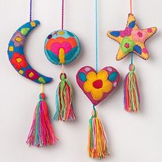 Mexican Felt Star and Moons Tassels / Bag Accessories / Girl Decor / Mexican Handcrafts Source by etsy Letter Ornaments, Felt Ornaments, Christmas Tree Ornaments, Mexican Christmas, Felt Christmas, Christmas Crafts, Mexican Crafts, Diy Bird Feeder, Motif Floral
