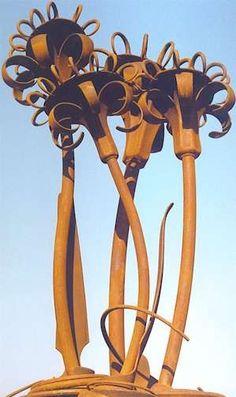 Flower sculpture by Lawrence Walker
