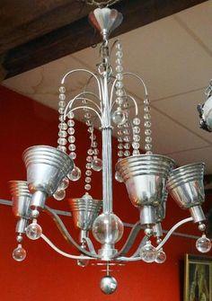 Lustre en métal chromé 6 bras de lumière et boules de verre