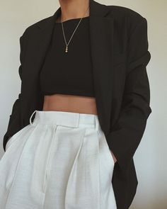 oversized black blazer and white trousers with bla. - oversized black blazer and white trousers with bla. Black Crop Top Outfit, Crop Top Outfits, Mode Outfits, Casual Outfits, Fashion Outfits, Womens Fashion, Fashion Trends, Grunge Outfits, 90s Grunge