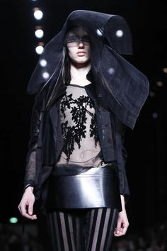Ann Demeulemeester Ready To Wear Spring Summer 2014 Paris - NOWFASHION