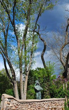 Santa Fe CANYON ROAD4 New Mexico Santa Fe, Taos New Mexico, High Desert Landscaping, Santa Fe Trail, Vacation Photo, Southwest Usa, Santa Fe Style, Canyon Road, New Mexican